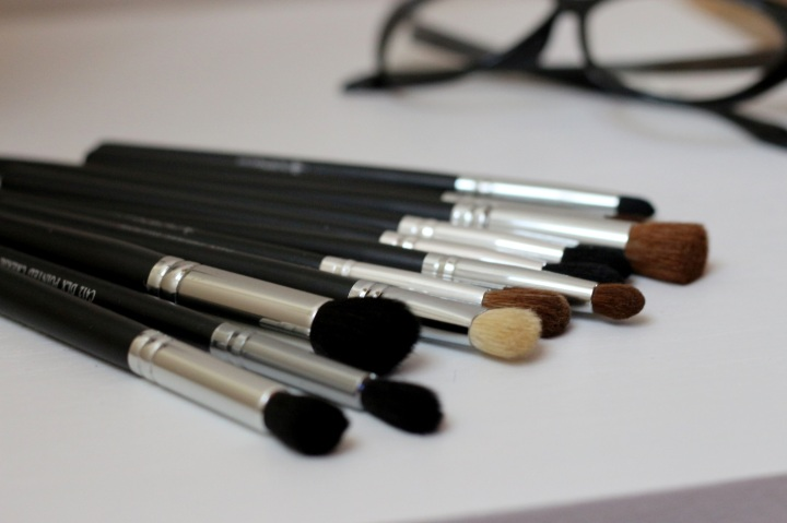 crown-brush-glamupdate-amalia-avram-makeup-artist-completebeauty-1