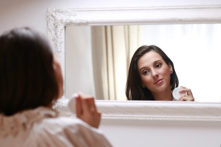 amalia-avram-makeup-artist-glamupdate-guinot-idei-de-cadouri-luxoase-pentru-ea-marius-avram-photographer-2
