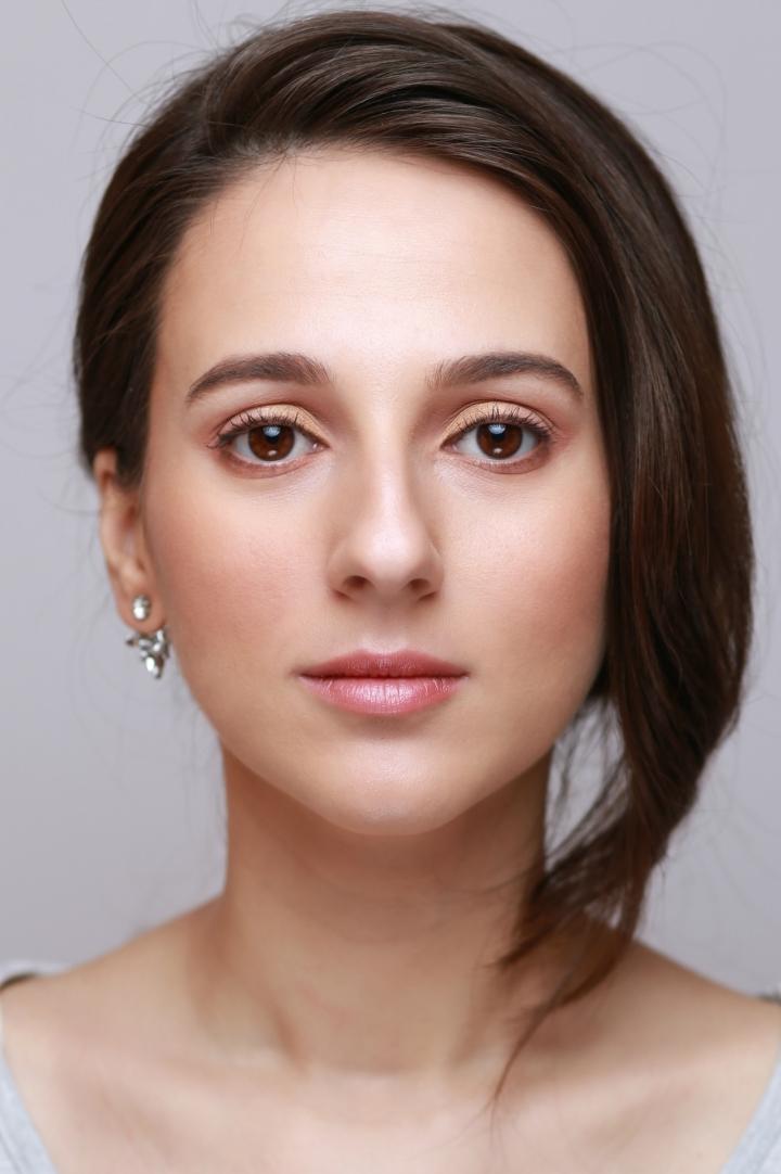 amalia avram makeup artist tutorial de machiaj cu farduri vegane 10.JPG