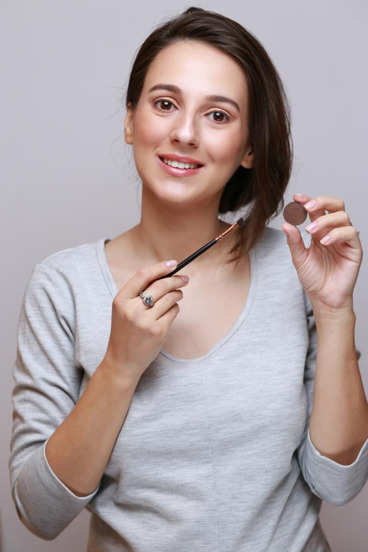 amalia-avram-makeup-artist-tutorial-de-machiaj-cu-farduri-vegane-8