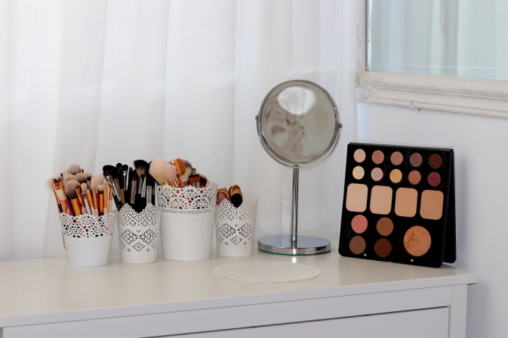 amalia avram makeup artist sorme eyeshadow palette mylash 1