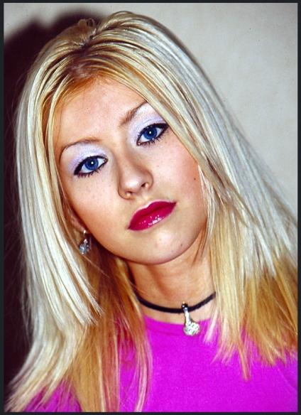 Christina-Aguilera-90s-Makeup